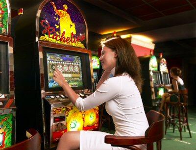 Мы предлагаем вам возможность в любые игровые автоматы играть бесплатно.На нашем сайте есть большой выбор слотов, и .